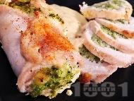 Рецепта Пилешки рула от филе пълнени с топено сирене и яйце на фурна под фолио
